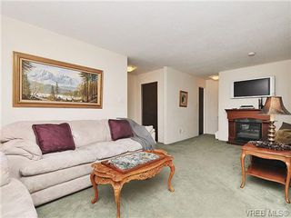 Photo 4: 35 840 Craigflower Road in VICTORIA: Es Kinsmen Park Townhouse for sale (Esquimalt)  : MLS®# 322097