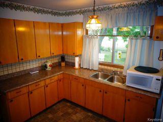 Photo 4: 99 UPLANDS Crescent in WINNIPEG: Westwood / Crestview Residential for sale (West Winnipeg)  : MLS®# 1420377