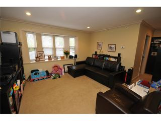 Photo 6: 1218 16th Avenue in Vancouver: House 1/2 Duplex for sale : MLS®# V1069829