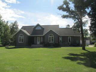 Photo 2: 445 Oako Beach Drive in Dauphin: Single Family Detached for sale