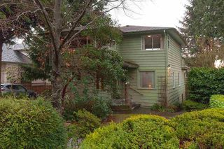 Photo 1: 2468 LAWSON AVE in West Vancouver: Dundarave House for sale : MLS®# R2034624