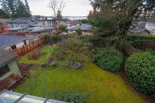 Photo 17: 2468 LAWSON AVE in West Vancouver: Dundarave House for sale : MLS®# R2034624