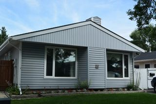 Photo 1: 52 Laurent Drive in Winnipeg: Fort Garry / Whyte Ridge / St Norbert Single Family Detached for sale (South Winnipeg)