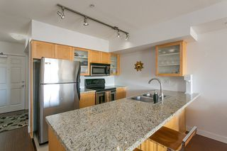 Photo 2: 303 702 E KING EDWARD AVENUE in Vancouver: Fraser VE Condo for sale (Vancouver East)  : MLS®# R2301873