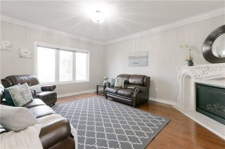 Photo 9: 424 Spring Blossom Cres in Oakville: Iroquois Ridge North Freehold for sale : MLS®# W4228081