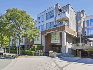 Photo 2: 218 2768 CRANBERRY DRIVE in Vancouver: Kitsilano Condo for sale (Vancouver West)  : MLS®# R2298896