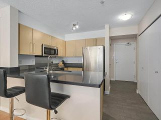 Photo 5: 218 2768 CRANBERRY DRIVE in Vancouver: Kitsilano Condo for sale (Vancouver West)  : MLS®# R2298896