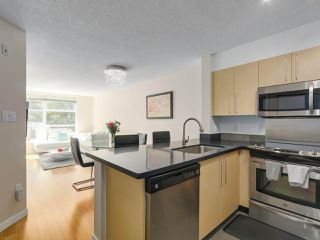 Photo 4: 218 2768 CRANBERRY DRIVE in Vancouver: Kitsilano Condo for sale (Vancouver West)  : MLS®# R2298896
