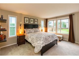 """Photo 14: 107 17727 58 Avenue in Surrey: Cloverdale BC Condo for sale in """"Derby Downs"""" (Cloverdale)  : MLS®# R2411031"""