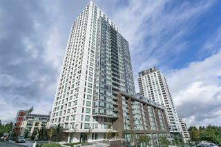 """Photo 1: 2810 5665 BOUNDARY Road in Vancouver: Collingwood VE Condo for sale in """"Wall Centre Central Park South"""" (Vancouver East)  : MLS®# R2412553"""