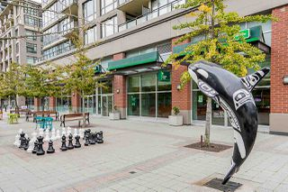 Photo 13: 111 101 MORRISSEY ROAD in Port Moody: Port Moody Centre Condo for sale : MLS®# R2410630