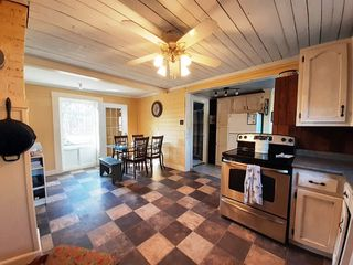 Photo 3: 576 VICTORIA Road in Millville: 404-Kings County Residential for sale (Annapolis Valley)  : MLS®# 202008292