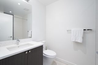 Photo 8: 414 105 W 2ND STREET in North Vancouver: Lower Lonsdale Condo for sale : MLS®# R2457913