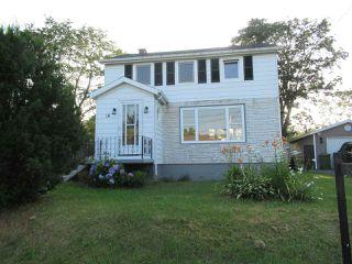 Photo 1: 16 Moulton Avenue in North Sydney: 205-North Sydney Residential for sale (Cape Breton)  : MLS®# 202014549
