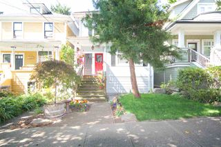 Main Photo: 23 W 14TH Avenue in Vancouver: Mount Pleasant VW House for sale (Vancouver West)  : MLS®# R2482434
