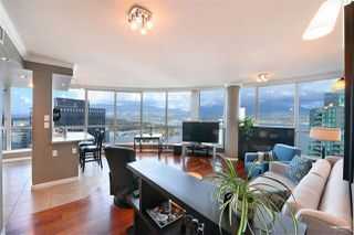"Photo 1: 3306 1111 W PENDER Street in Vancouver: Coal Harbour Condo for sale in ""THE VANTAGE"" (Vancouver West)  : MLS®# R2510687"