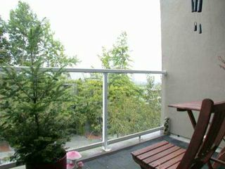 """Photo 7: 1070 W 7TH Ave in Vancouver: Fairview VW Condo for sale in """"FALSE CREEK TERRACE"""" (Vancouver West)  : MLS®# V578300"""