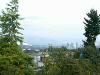 """Photo 8: 1070 W 7TH Ave in Vancouver: Fairview VW Condo for sale in """"FALSE CREEK TERRACE"""" (Vancouver West)  : MLS®# V578300"""
