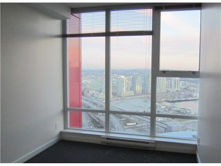 """Photo 7: 3301 602 CITADEL PARADE in Vancouver: Downtown VW Condo for sale in """"SPECTRUM 4"""" (Vancouver West)  : MLS®# V930449"""