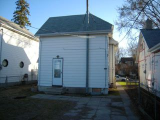 Photo 2: 183 Chalmers Avenue in Winnipeg: Residential for sale : MLS®# 1206738