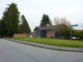 Photo 2: 3393 DALEBRIGHT Drive in Burnaby: Government Road House for sale (Burnaby North)  : MLS®# V968632