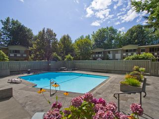 "Photo 16: # 8 5545 OAK ST in Vancouver: Shaughnessy Townhouse for sale in ""SHAWNOAKS"" (Vancouver West)  : MLS®# V969613"