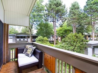 "Photo 8: # 8 5545 OAK ST in Vancouver: Shaughnessy Townhouse for sale in ""SHAWNOAKS"" (Vancouver West)  : MLS®# V969613"