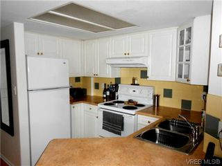 Photo 6: 303 930 Yates St in VICTORIA: Vi Downtown Condo for sale (Victoria)  : MLS®# 592928