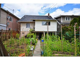 "Photo 10: 2336 CHARLES Street in Vancouver: Grandview VE House for sale in ""Commercial Drive"" (Vancouver East)  : MLS®# V1011947"
