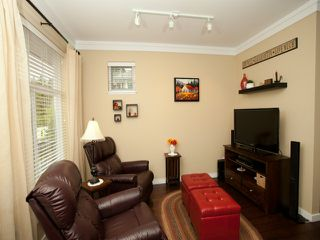 """Photo 2: 8 6956 193RD Street in Surrey: Clayton Townhouse for sale in """"EDGE"""" (Cloverdale)  : MLS®# F1320689"""