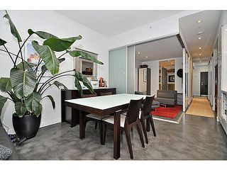 Photo 2: 606 256 2nd Avenue in Vancouver: Mount Pleasant VE Condo for sale (Vancouver East)  : MLS®# V1032140