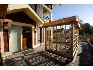 Photo 2: 2437 W 5TH AV in Vancouver: Kitsilano Condo for sale (Vancouver West)  : MLS®# V1053746
