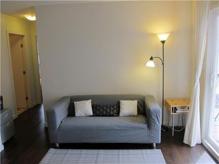 Photo 2: 17 430 E 8TH Avenue in Vancouver: Mount Pleasant VE Condo for sale (Vancouver East)  : MLS®# V1080608