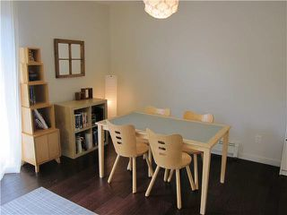 Photo 3: 17 430 E 8TH Avenue in Vancouver: Mount Pleasant VE Condo for sale (Vancouver East)  : MLS®# V1080608