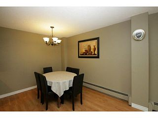 Photo 5: 205 816 89 Avenue SW in CALGARY: Haysboro Condo for sale (Calgary)  : MLS®# C3632405