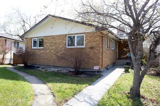 Main Photo: 1322 Valour Road in Winnipeg: Sargent Park Single Family Detached for sale (5C)  : MLS®# 1811835