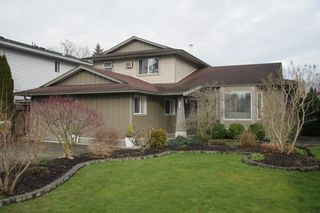 Photo 1: 9440 214 Street in Langley: Walnut Grove House for sale : MLS®# R2440375