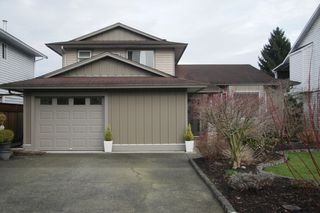 Photo 2: 9440 214 Street in Langley: Walnut Grove House for sale : MLS®# R2440375