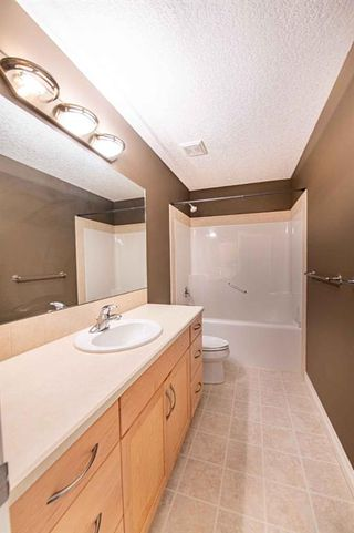 Photo 28: 67 DISCOVERY WOODS Villas SW in Calgary: Discovery Ridge Duplex for sale : MLS®# A1015437