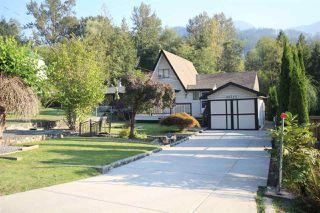 Photo 2: 66540 KERELUK Road in Hope: Hope Kawkawa Lake House for sale : MLS®# R2496893