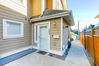 Photo 37: 205 E 18TH Street in North Vancouver: Central Lonsdale 1/2 Duplex for sale : MLS®# R2503676