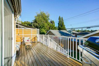 Photo 11: 205 E 18TH Street in North Vancouver: Central Lonsdale 1/2 Duplex for sale : MLS®# R2503676