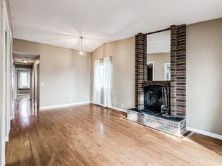 Photo 5: 20 Rivervalley Drive SE in Calgary: Riverbend Detached for sale : MLS®# A1047366