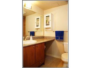 "Photo 5: 1507 1212 HOWE Street in Vancouver: Downtown VW Condo for sale in ""1212 HOWE"" (Vancouver West)  : MLS®# V941105"