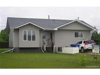 Main Photo: 335 Clark Avenue: Asquith Single Family Dwelling for sale (Saskatoon NW)  : MLS®# 435042