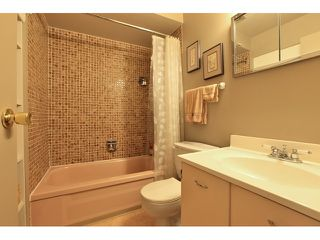 "Photo 8: 2042 PURCELL Way in North Vancouver: Lynnmour Townhouse for sale in ""Purcell Woods - Lynnmour"" : MLS®# V962841"