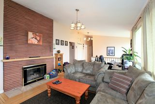 Photo 5: 572 Verona Place in North Vancouver: Upper Delbrook House for sale : MLS®# V945319