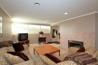 Photo 11: 572 Verona Place in North Vancouver: Upper Delbrook House for sale : MLS®# V945319