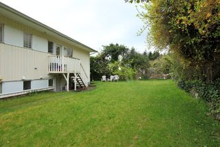 Photo 20: 572 Verona Place in North Vancouver: Upper Delbrook House for sale : MLS®# V945319