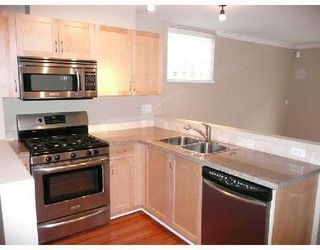Photo 3: 22 628 6th Avenue in Vancouver West: Fairview VW Home for sale ()  : MLS®# V765557